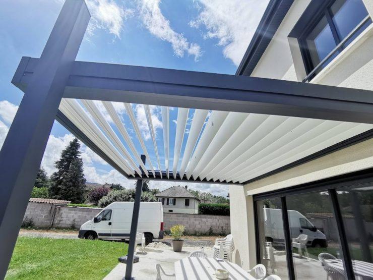 pergola bioclimatique design lamelles orientables